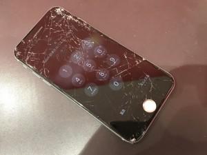 iPhone ガラス バキバキ